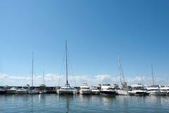 在码头的游艇 免版税库存照片
