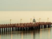 在码头的灯塔 图库摄影