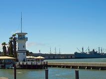 在码头39附近的灯塔 库存照片