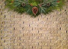在砖墙上的圣诞节诗歌选 免版税库存照片