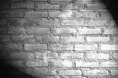 在砖墙上的聚光灯 图库摄影
