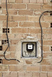 在砖墙上的逆光 免版税库存照片
