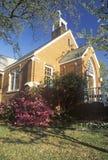 在砖教会的一个春日在绍斯波特北卡罗来纳 免版税库存照片