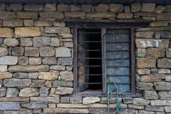 在砖的窗口 库存照片