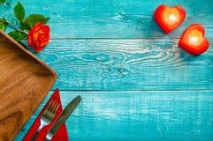 在破旧的别致的样式的欢乐餐位餐具 库存图片