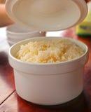 在碗亚洲人烹调的煮沸的白米 免版税库存图片