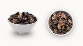 在碗的干黑fugus蘑菇 库存照片