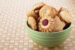 在碗的曲奇饼 免版税库存照片