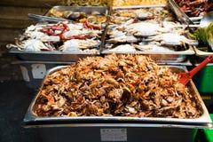 在碗的海鲜盘 免版税库存照片