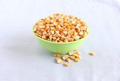 在碗的玉米 免版税库存图片