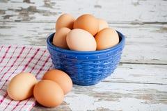 在碗的红皮蛋 免版税库存图片