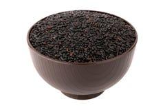 在碗的黑色米 库存图片
