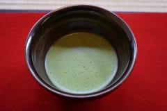 在碗,京都,日本的茶 库存图片