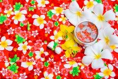 在碗Songkran节日的水在泰国 免版税库存照片