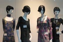 在礼服的时装模特 免版税库存图片