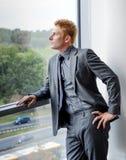 在礼服- portr的现代经理商人 免版税图库摄影