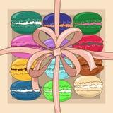 在礼物盒的法国蛋白杏仁饼干 免版税库存照片