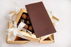 在礼物盒的Eautiful甜点 库存照片