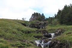 在神仙的水池的瀑布,斯凯岛小岛  免版税库存照片