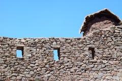 在神圣的谷,秘鲁的美丽的石墙 库存图片