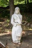 在祷告的保加利亚妇女雕象 免版税图库摄影