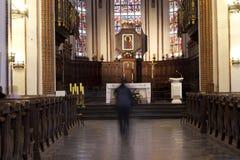在祷告里面的教会 免版税库存照片