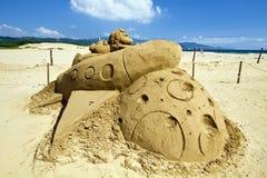 在福隆海水浴场的新颖的沙子雕塑 库存图片