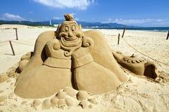 在福隆海水浴场的新颖的沙子雕塑 图库摄影