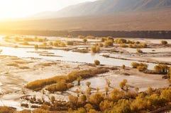 在秋天季节期间的印度河 库存照片