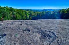 在秋天季节期间的石山北卡罗来纳风景 免版税库存照片
