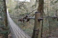 在秋天小河Fallin田纳西的平旋桥长和高 免版税图库摄影