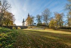 在秋天期间的Ekenäs城堡在Ã-stergötland,瑞典 库存照片