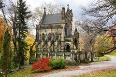 哥特式大教堂陵墓 免版税库存图片