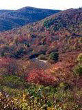在秋天的不可思议的山 免版税库存照片