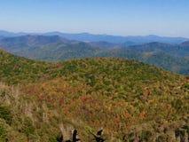 在秋天的不可思议的山 库存图片