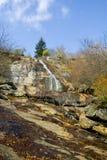 在秋天的瀑布 库存照片
