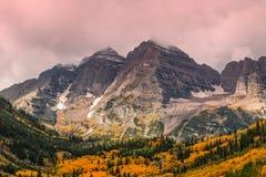 在秋天的褐红的响铃 免版税图库摄影