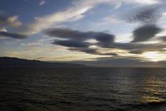 在秋天的阿拉斯加的日落 免版税库存照片