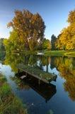在秋天颜色的运河 免版税图库摄影