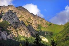 在秋天颜色,扎科帕内,波兰的Tatra山 库存图片
