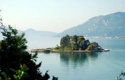 在科孚岛海岛上的老鼠海岛在希腊 免版税库存图片
