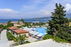 在科孚岛海岛上的豪华希腊手段 库存照片