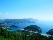 在科孚岛Kerkyra,希腊的Paleokastrica海滩 免版税库存照片