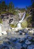 在科拉半岛,俄罗斯的瀑布 免版税库存图片