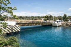 在科林斯湾运河的浮桥 免版税库存照片