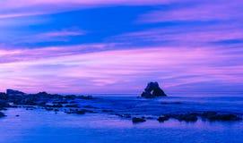 在科罗娜del Mar海滩,加利福尼亚的曲拱 库存图片
