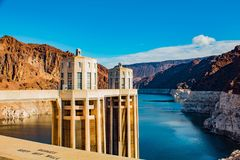 在科罗拉多河NV美国的胡佛水坝视图 库存照片