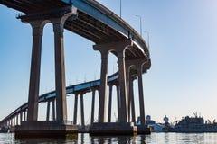 在科罗纳多桥梁的早晨光 免版税图库摄影