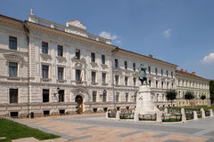在科苏特广场的市政大厦在佩奇匈牙利 免版税库存图片