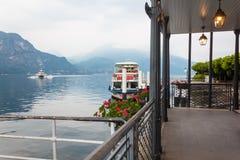 在科莫湖的水翼艇轮渡 免版税图库摄影